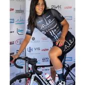 """La nostra Rostina @rachelebarbieri, salita in sella a soli 5 anni, ancora una """"bambina"""" ma già più volte campionessa. Ha iniziato con una bicicletta piccola gialla con le rotelle ed un entusiasmo già grande. E se segui il cuore arrivi lontano... ❤️"""